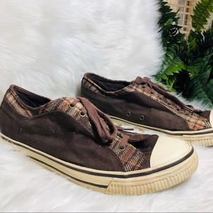 Airwalk brown tennis shoes